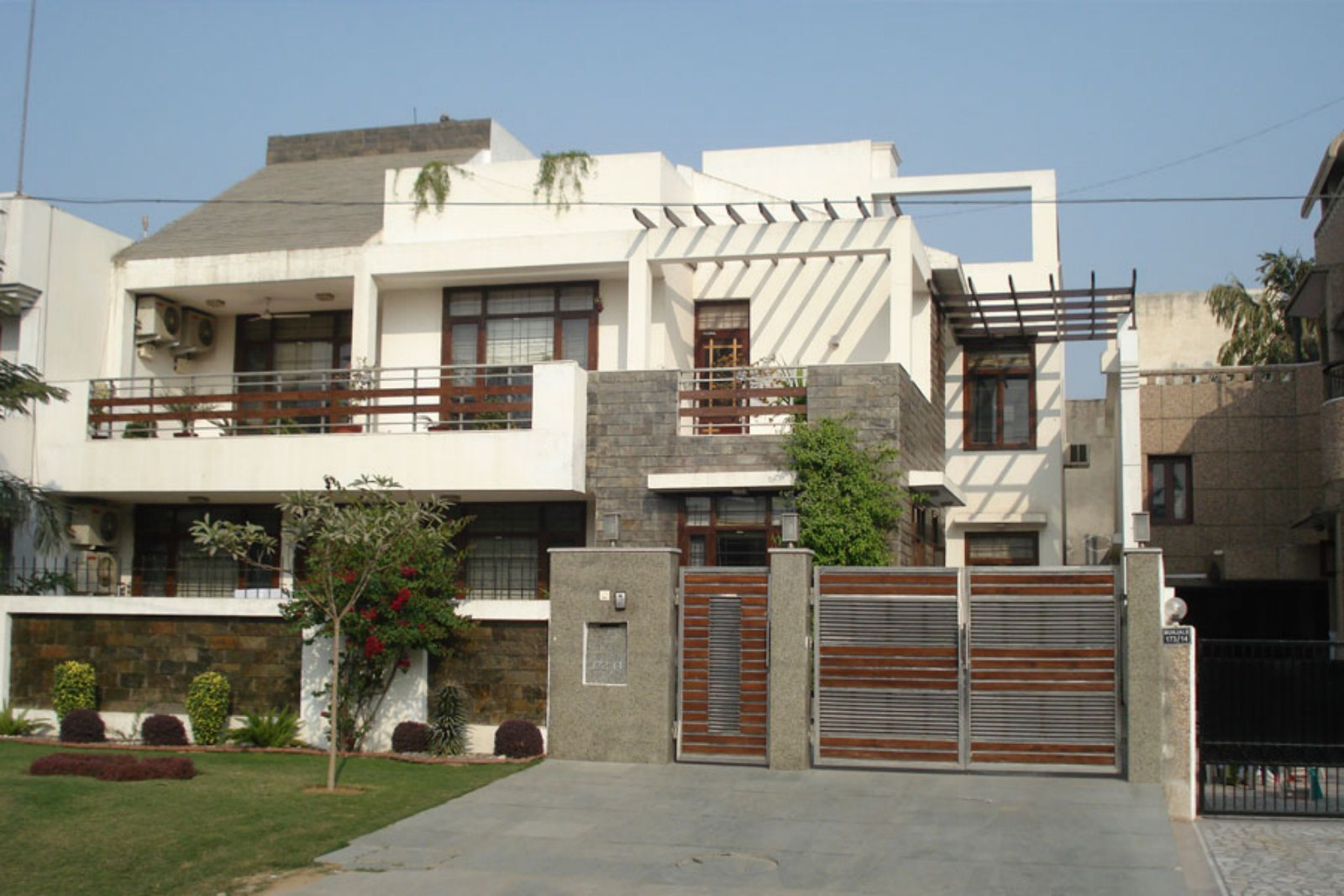 Anand Residence, DLF 1