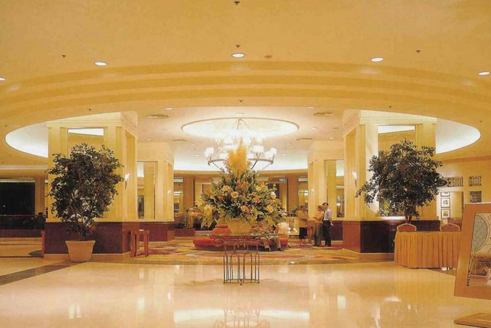 Taj Ambassador Lobby, New Delhi_1